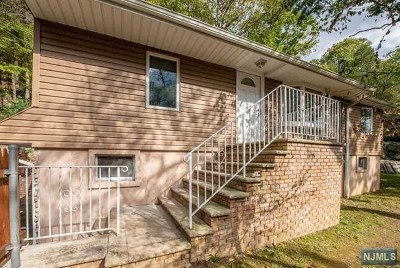 West Milford Single Family Home For Sale: 428 Macopin Road