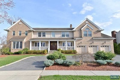 Essex County Single Family Home For Sale: 22 Glendale Lane
