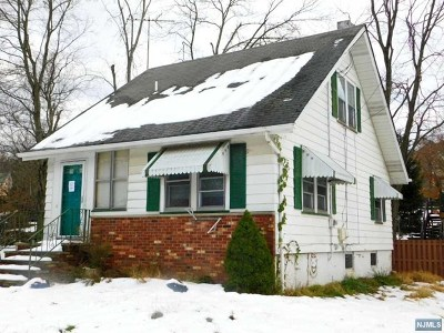 Wayne Single Family Home For Sale: 20 Buen Lane