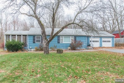 West Milford Single Family Home For Sale: 274 Weaver Road