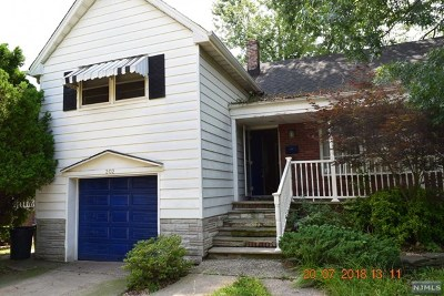 Hasbrouck Heights Single Family Home For Sale: 202 Myers Avenue