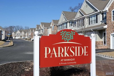Wanaque Condo/Townhouse For Sale: 51 Red Oak Court