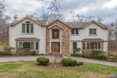 Franklin Lakes Single Family Home For Sale: 769 Rivenwood Road