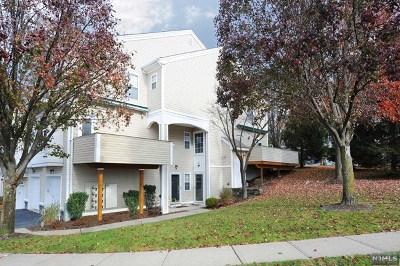 Pompton Lakes Condo/Townhouse For Sale: 148 Summit Ridge