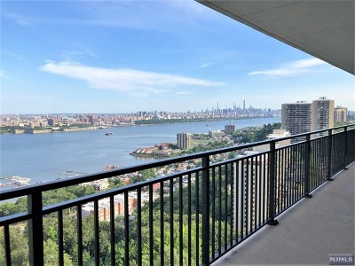 Fort Lee Condo/Townhouse For Sale: 1500 Palisade Avenue #24e