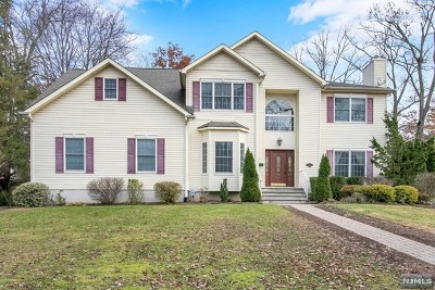 Ridgewood Single Family Home For Sale: 421 Eastgate Road