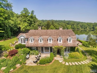 Franklin Lakes Single Family Home For Sale: 935 Loch Road