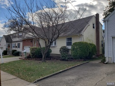 Maywood Single Family Home For Sale: 99 Orchard Place