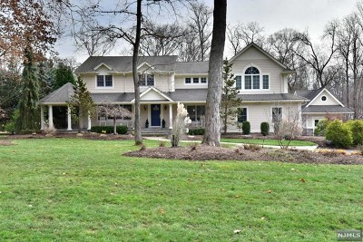 Upper Saddle River Single Family Home For Sale: 70 Hampshire Hill Road