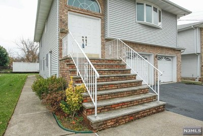 Saddle Brook Single Family Home For Sale: 322 Schepis Avenue