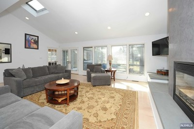 Allendale Single Family Home For Sale: 56 Berkshire Place