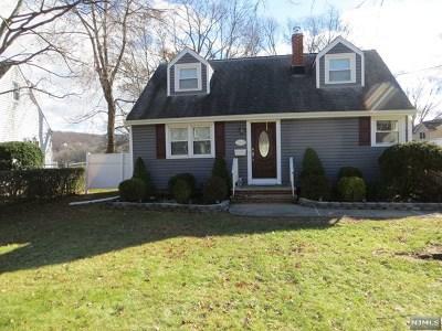 Pompton Lakes Single Family Home For Sale: 1020 Colfax Avenue