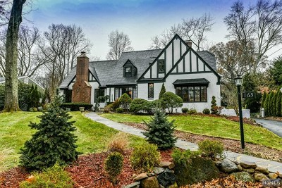 Hillsdale Single Family Home For Sale: 165 Pascack Road