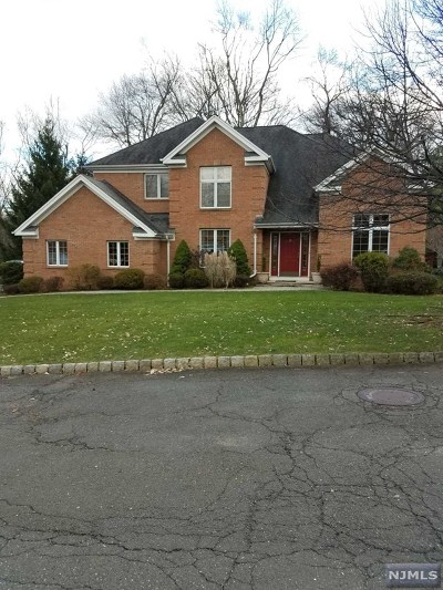 Montvale Single Family Home For Sale: 9 McGuire Court