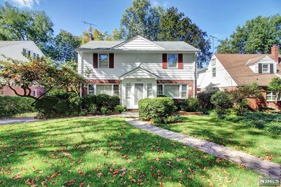 Teaneck Single Family Home For Sale: 1284 Wellington Avenue