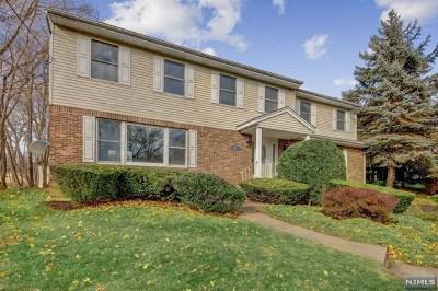 Midland Park Single Family Home For Sale: 27 Donna Lane