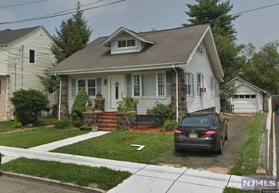 Ridgefield Single Family Home For Sale: 809 Maple Avenue