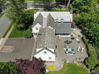 Ridgewood Single Family Home For Sale: 282 Gardner Road