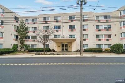 Palisades Park Condo/Townhouse For Sale: 333 Grand Avenue #2h