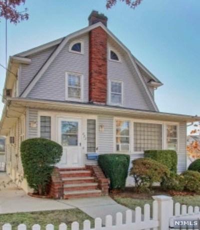 Bogota Single Family Home For Sale: 222 Maplewood Avenue