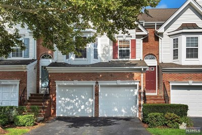 Essex County Condo/Townhouse For Sale: 327 Winthrop Drive