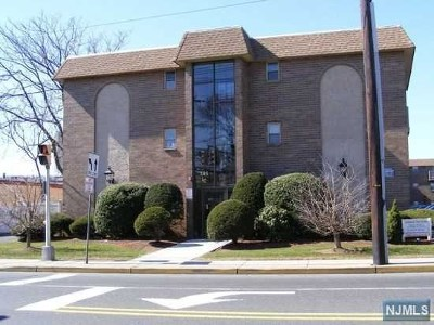 Ridgefield Park Condo/Townhouse For Sale: 205 Bergen Turnpike #1n