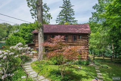 West Milford Single Family Home For Sale: 32 Upsala Path