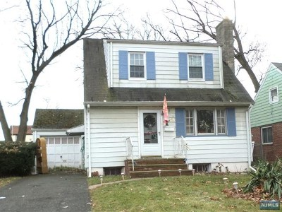 Teaneck Single Family Home For Sale: 54 Hamilton Road