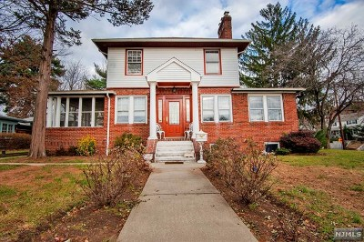 Hackensack Single Family Home For Sale: 264 Hamilton Place