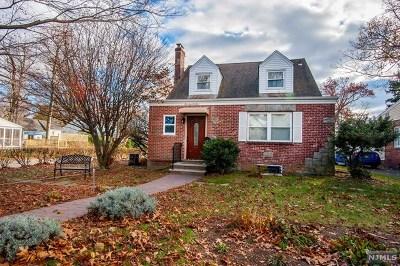 Dumont Single Family Home For Sale: 173 Magnolia Avenue