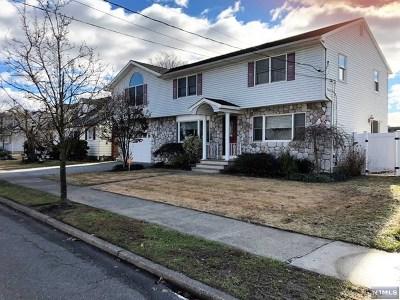 Totowa Single Family Home For Sale: 56 Winifred Drive