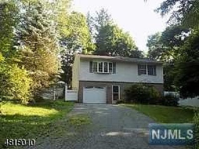 West Milford Single Family Home For Sale: 82 Belleau Gateway