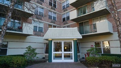 Edgewater Condo/Townhouse For Sale: 100 Grand Cove Way #2h