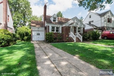 Teaneck Single Family Home For Sale: 653 Penn Avenue