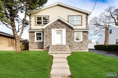 Hawthorne Single Family Home For Sale: 337 Warburton Avenue