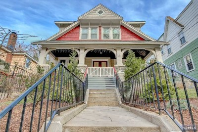 Bergen County Single Family Home For Sale: 223 Hillside Avenue