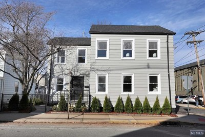Fort Lee NJ Multi Family 2-4 For Sale: $718,000