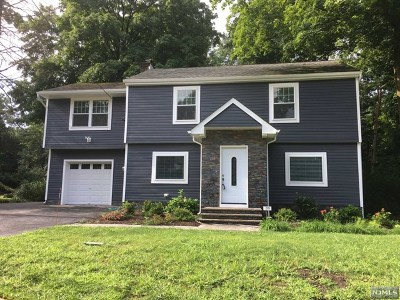 Ridgewood Single Family Home For Sale: 270 Franklin Turnpike