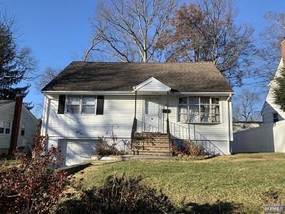 Wayne Single Family Home For Sale: 101 Pinecrest Terrace