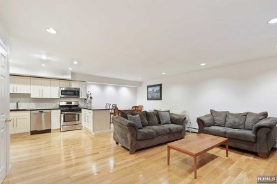 Hoboken Condo/Townhouse For Sale: 556 1st Street #6