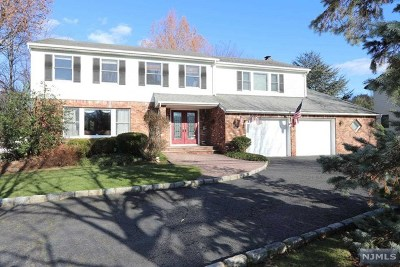 Closter Single Family Home For Sale: 303 Homans Avenue