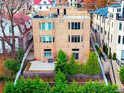 Edgewater Condo/Townhouse For Sale: 1218 River Road