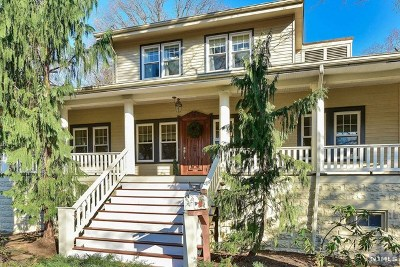 Ridgewood Single Family Home For Sale: 71 Barrington Road