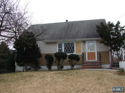 Clifton Single Family Home For Sale: 57 Linden Avenue