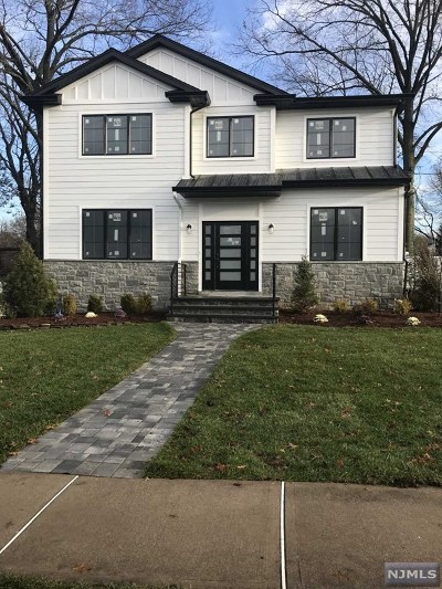 Cresskill Single Family Home For Sale: 75 Delmar Avenue