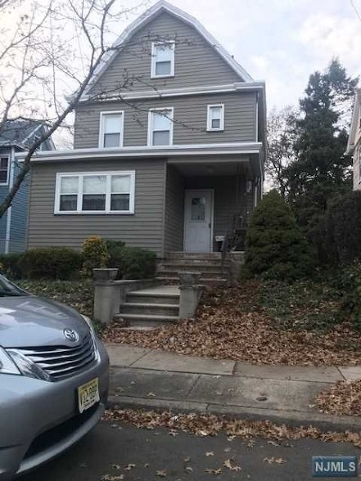 East Rutherford Single Family Home For Sale: 5 Lincoln Place