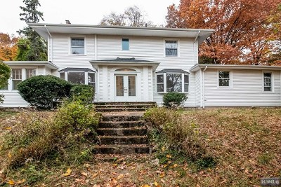 Clifton Single Family Home For Sale: 45 Oak Hill Road