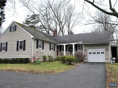Demarest Single Family Home For Sale: 57 Knickerbocker Road