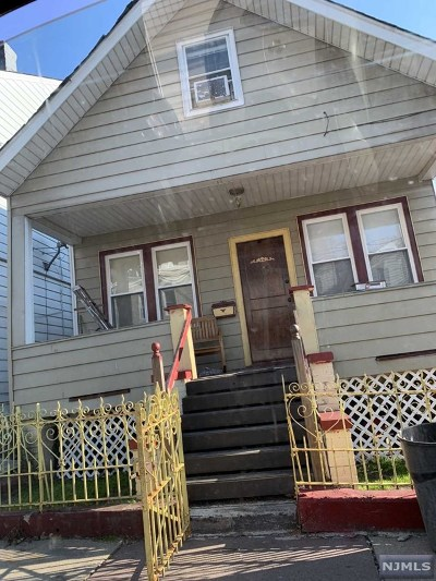 Paterson Single Family Home For Sale: 278 North 4th Street
