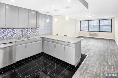 Guttenberg NJ Condo/Townhouse For Sale: $280,000